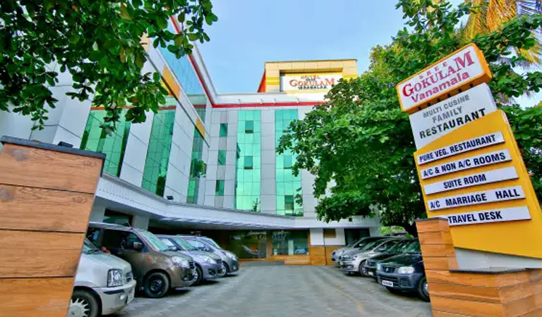 Standard hotels in West Nada Guruvayur