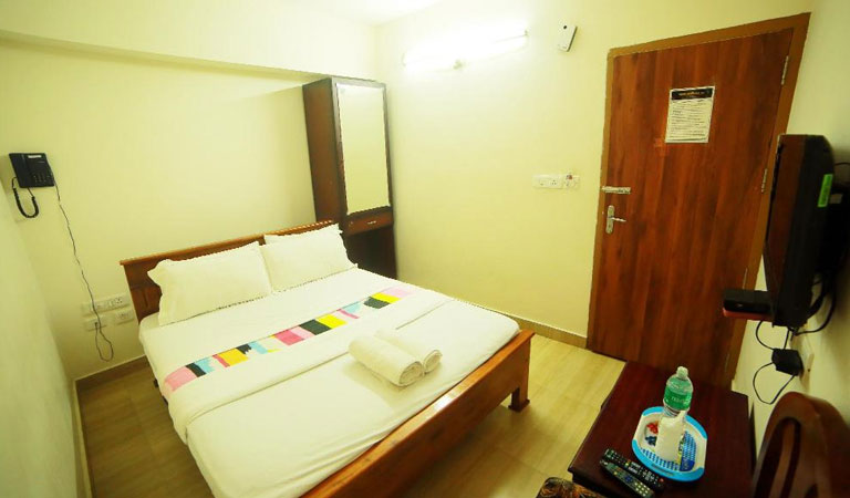 Standard hotels near North Nada Guruvayur